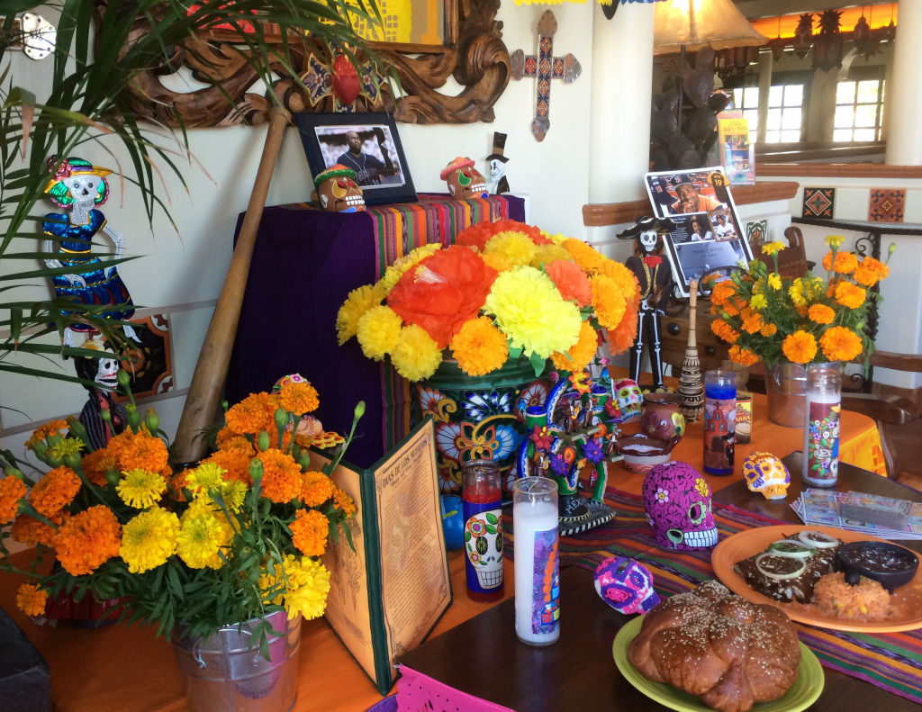 Casa Sol y Mar Altar for Tony Gwynn