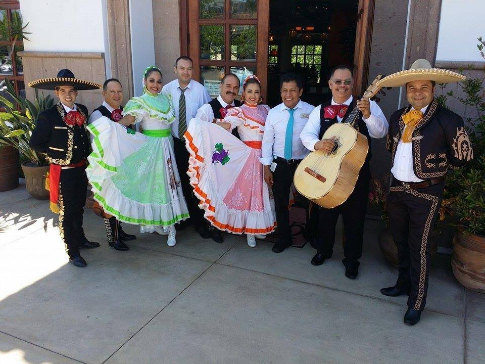 7b0067a54 Enjoy live mariachi music